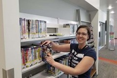 volunteer-at-Parker-Library