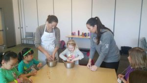 DCL-Lone-Tree-Volunteers-Spring-Break-Camp-Be-A-Chef_opt